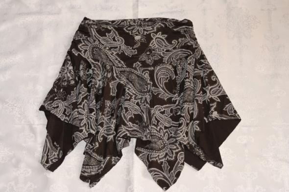 Spódnice szeroka asymetryczna spódnica ML