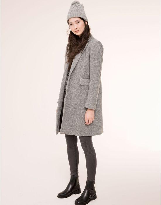 Szary płaszcz...