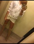 Biała bluza obszerna ovesize