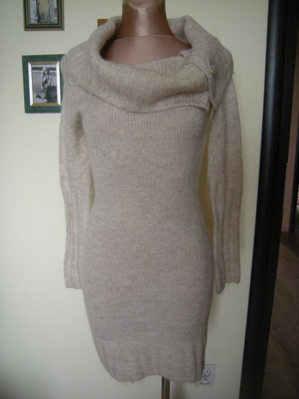 ciepła sukienka Atmosphere SML