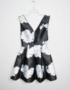 Nowa kloszowana sukienka print rozmiar 36
