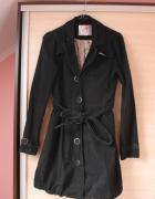 Czarny płaszcz bombka Cropp M