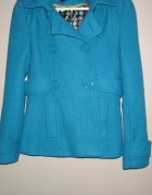 płaszcz krótki z kapturem