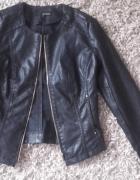 Czarna kurtka ramoneska skórzana