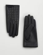 Rękawiczki z ćwiekami...