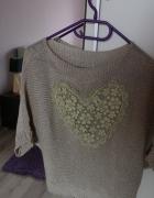 Sweterek ażurowe serce