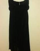 Czarna sukienka stradivarius dłuższy tył...