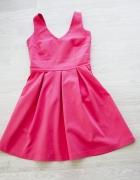 malinowa sukienka reserved
