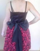 Śliczna i elegancka czarno czerwona sukienka
