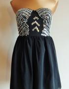 Wyjątkowa czarna tiulowa sukienka z gorsetem r 36