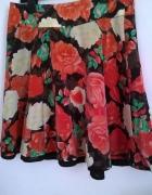 rozkloszowana spódniczka kwiecista vero moda