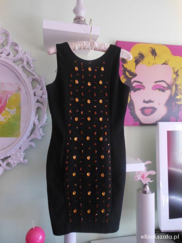Suknie i sukienki MOHITO Sexowna Mała Czarna Kamienie Zip Nowa