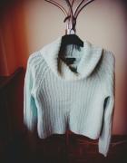 krótki miętowy sweterek