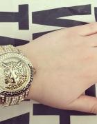 Złoty eleganski zegarek