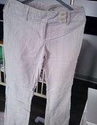 jasne spodnie