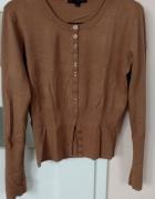 karmelowy sweter