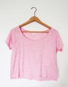 różowy crop top krótka koszulka pudrowy blady róż