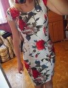 Piękna sukienka floral 36