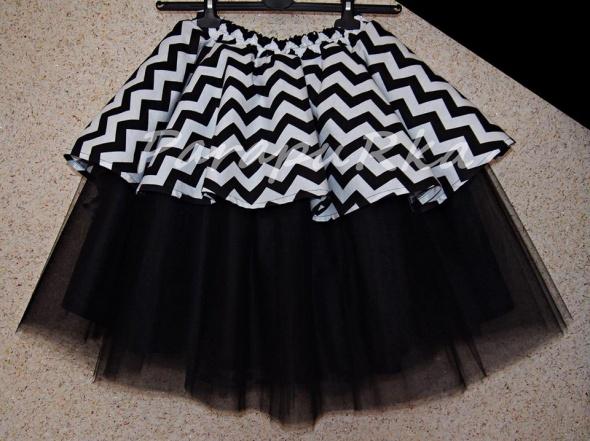 Spódnice Spódnica tiulowa zygzak asymetryczna czarno biała