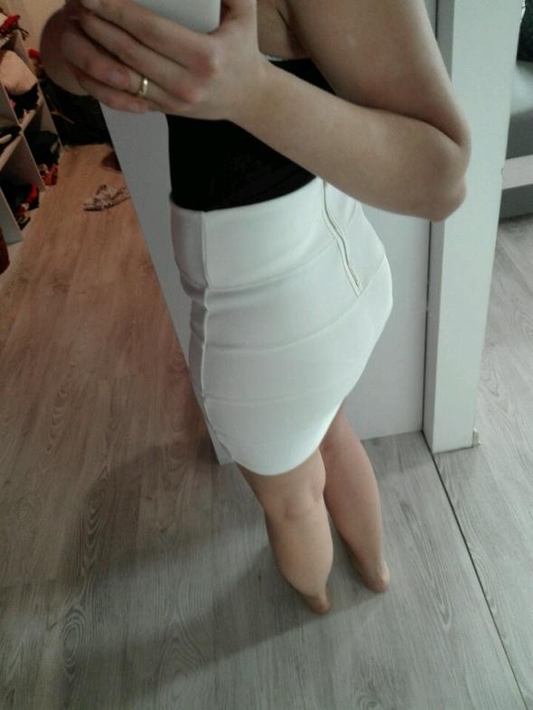 Spódnice top shop 36 spódnica bandażowa biala spódnica spódnica top shop 36