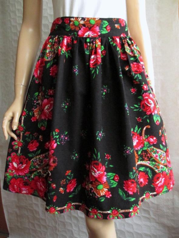 Spódnice NDISKA czarna spódnica w kwiaty folk etno cudo 38