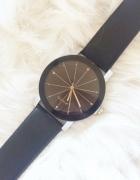 zegarek czarny ze ściętą tarcza