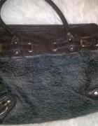 Brązowa torebka z futerkiem