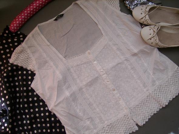Bluzka biała ROMAN marszczona koronka elegance 46
