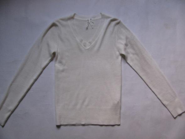 Swetry ATMOSPHERE ŚMIETANKOWY SWETEREK W SEREK 36 38