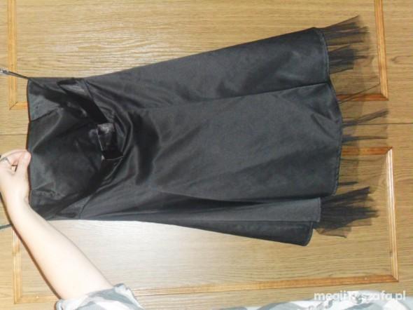 Sukienka mała czarna bez ramion