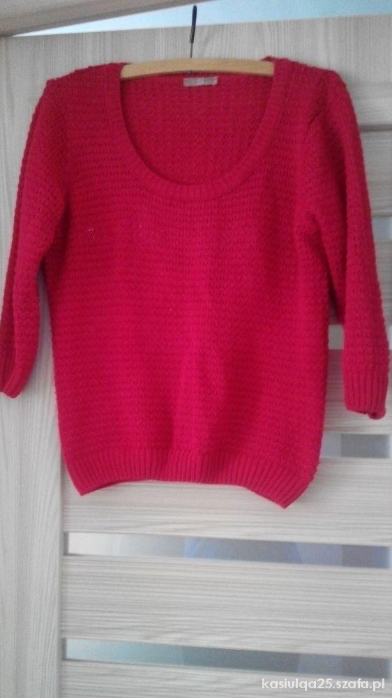 Czerwony sweterek TU 18...