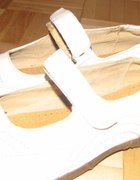 białe wygodne nowe półbuty