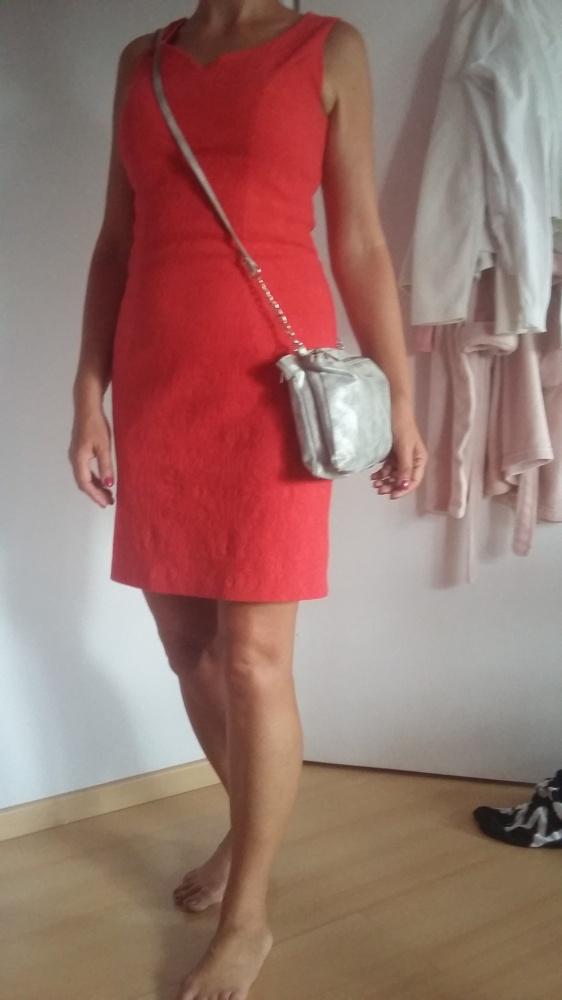 Elegancka czerwona sukienka rozmiar 38...