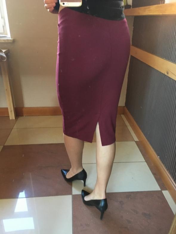 Spódnice Burgundowa ołówkowa spódnica