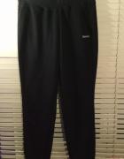 Czarne spodnie dresowe Reebok M NOWE...