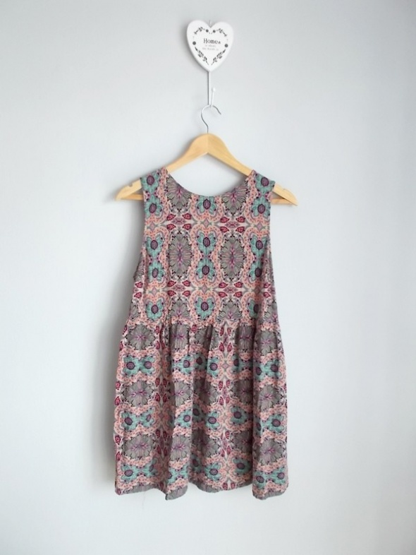 Suknie i sukienki River Island luźna mini sukienka we wzory