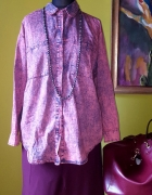 Różowa marmurkowa koszula
