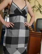 Sukienka w kratę Promod 38