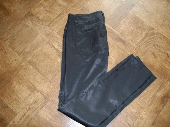 Spodnie Spodnie Zara