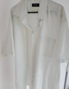 Biała koszula w paski z krótkim rękawem