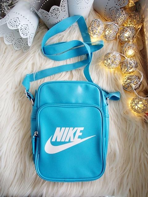 Torebki na co dzień Torebka listonoszka Nike skórzana