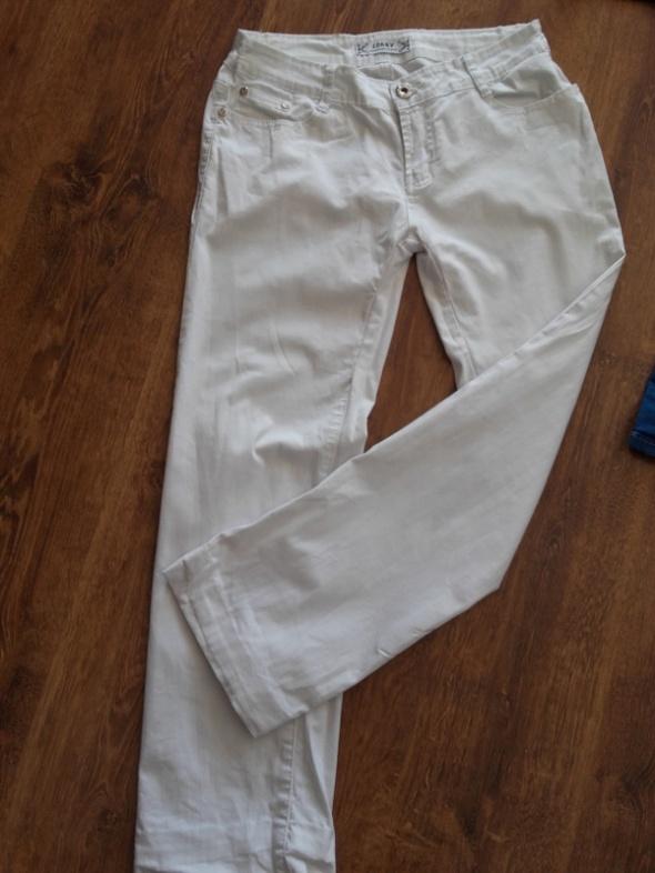 Spodnie Białe spodnie