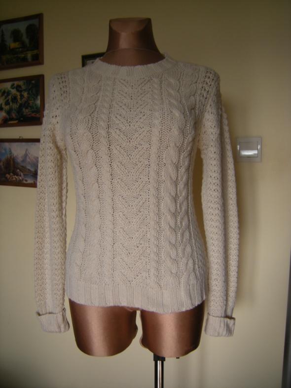 azurowy sweterek INC 38