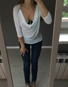 Biała bluzka Bershka fala luźna