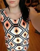 Koszulka w Azteckie wzory