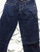 Granatowe spodnie Bershka