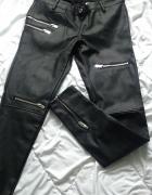 Czarne skórzane spodnie marki House
