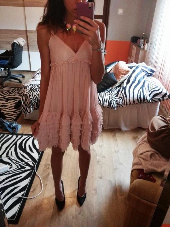 Suknie i sukienki na sprzedaz przepiekna sukienka idealna na wesele