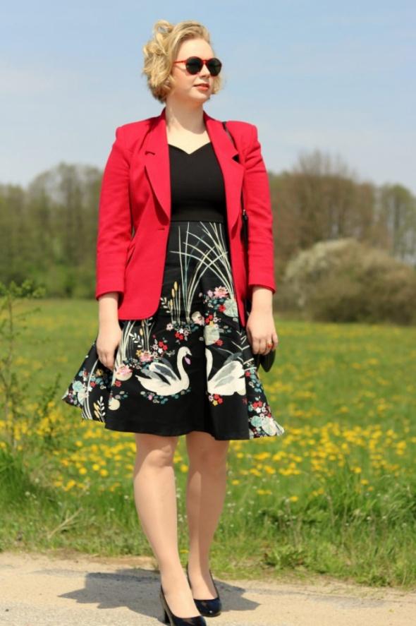 Blogerek sukienka w łabędzie