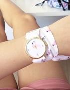 Zegarek biały z wzorem w flamingi